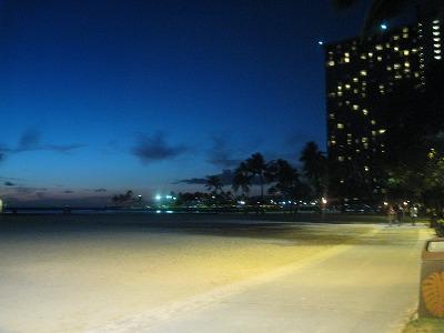ハワイの夜
